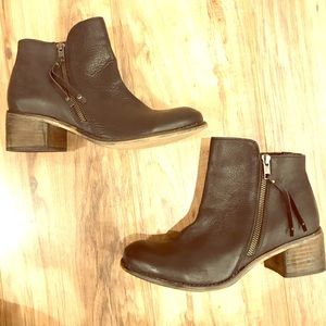 Seychelles Leather Zip Up Ankle Boots